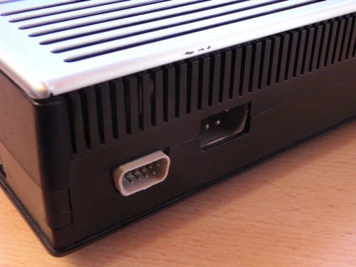 TI-99/4A - Rückseite - Stromanschluss/Kassettenanschluss