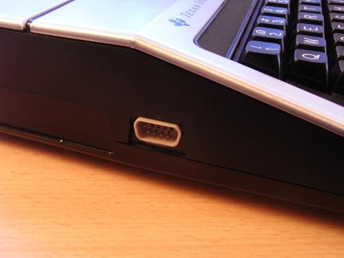 TI-99/4A  - linke Seite - Joystickanschluss