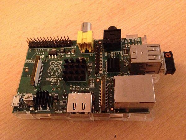 Raspberry Pi mit installierten Kühlkörpern