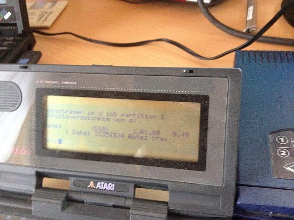 Atari Portfolio mit ZIP-Laufwerk - Disk D: 33357824 Bytes frei!