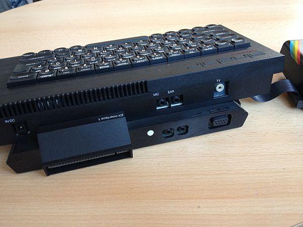 Sinclair Spectrum 48K mit Expansion System - Rückseite