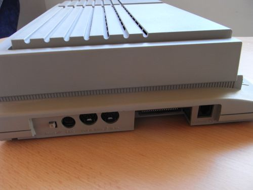 "Mega STE - Reset-Taster, ""LAN"", 2 x Midi, ROM-Port, Tastatur"
