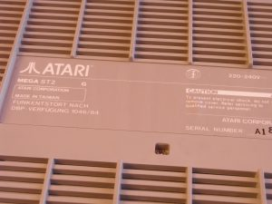 Atari Mega ST 2 Unterseite