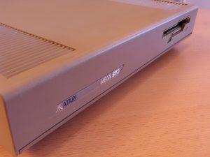 Atari Mega ST 2 Vorderseite