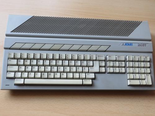 Atari 260ST - frontal
