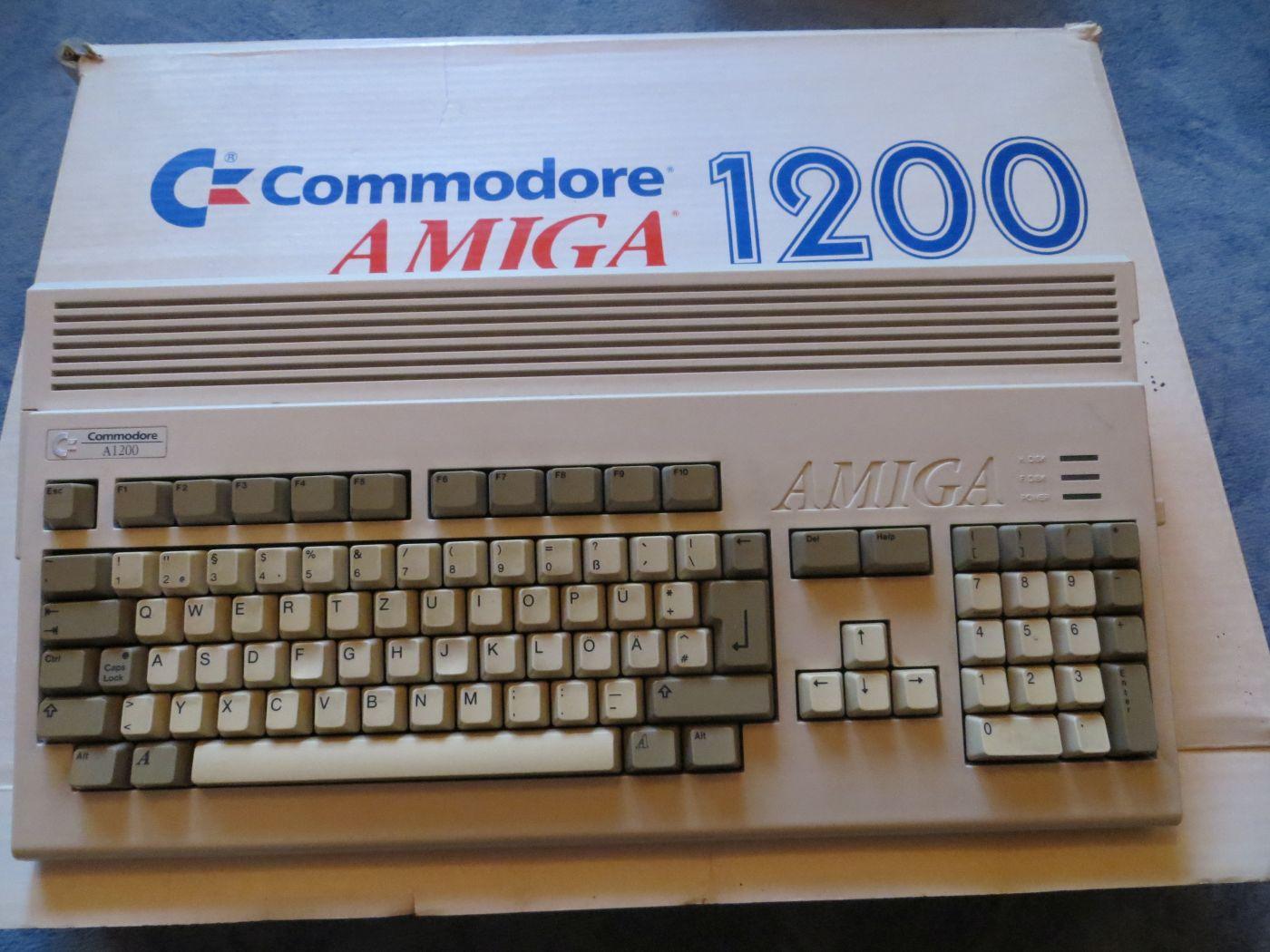 Amiga 1200 mit Schachtel
