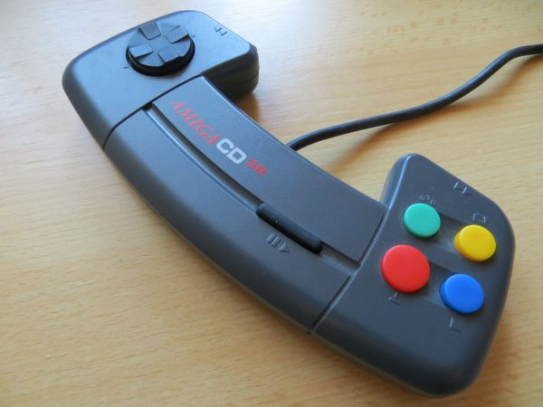 Commodore Amiga CD32 - Controller Tasten 2