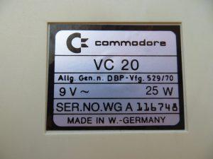 VC 20 Typenschild