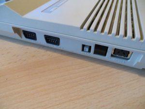 Commodore 128 - Anschlüsse linke Seite
