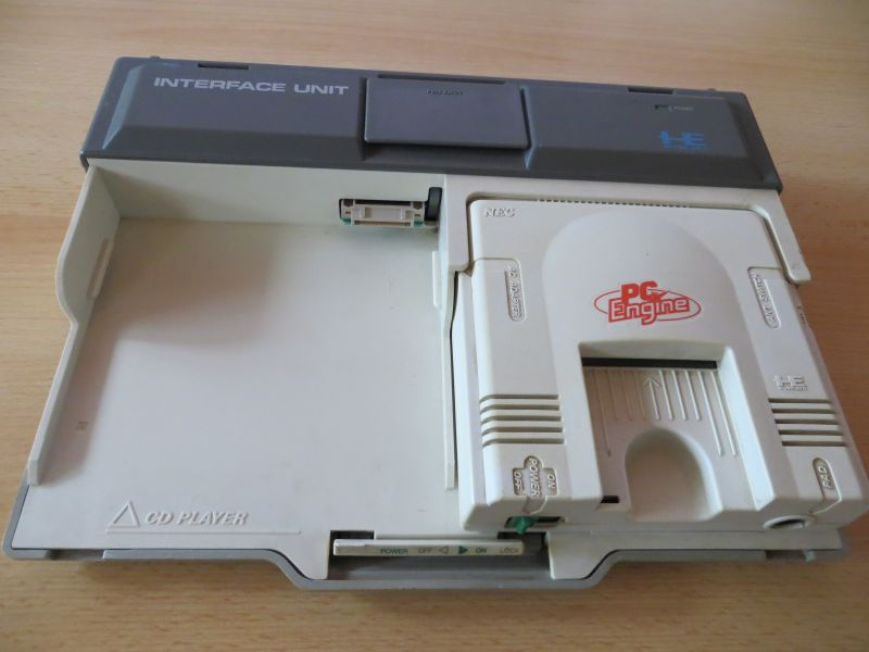 PC Engine Interface Unit - Frontansicht